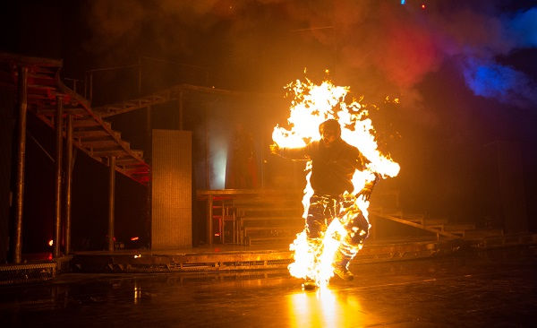 2014 Halloween Horror Nights 4 Inauguration - Fire On Protester