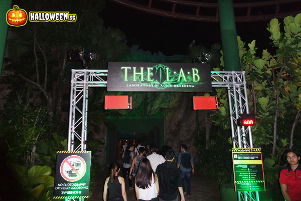 2014 Halloween Horror Nights 4 - The LAB