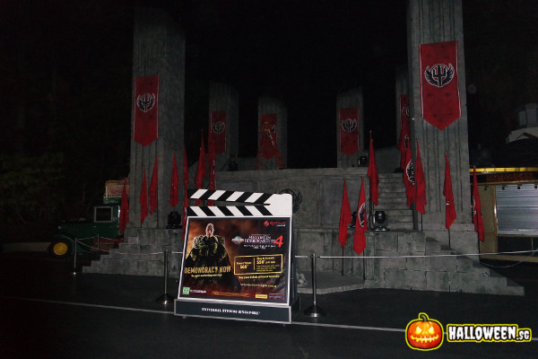 2014 Halloween Horror Nights 4 - Stage for Minister Of Evil