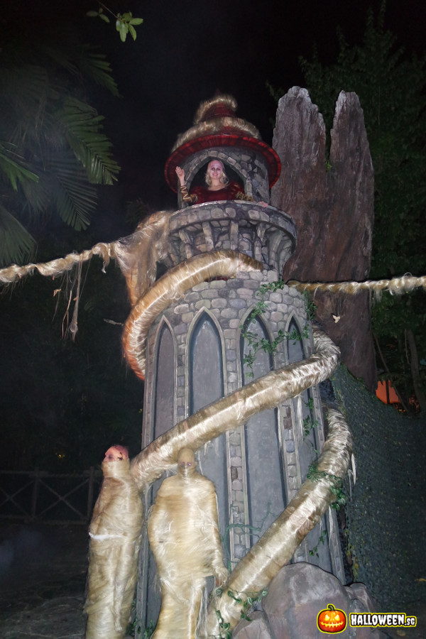 2014 Halloween Horror Nights 4 - Scary Tales - Rapunzel